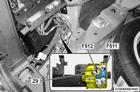 BMW X5 - (F15) - fuse box diagram - luggage compartment fuse holder