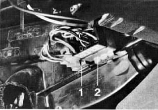 Porsche 924 - fuse box diagram - additional relays
