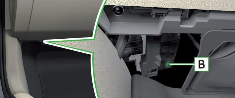 Skoda Superb - fuse box - dashboard