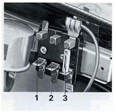 Volvo 160 - fuse box - additional box